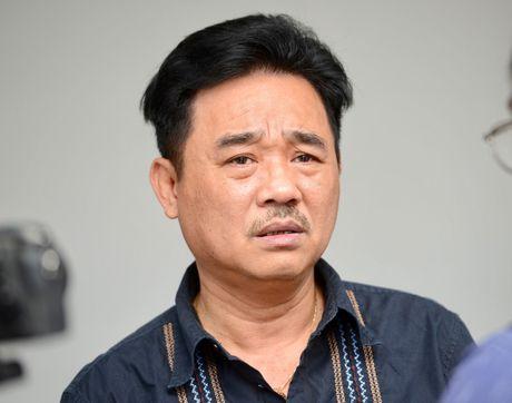 Dien vien Quoc Khanh khoc o dam tang NSUT Pham Bang - Anh 3