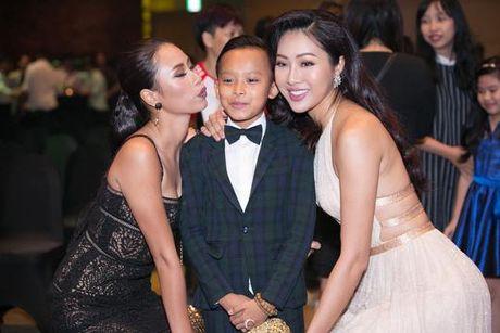 Ho Van Cuong thay doi ra sao khi lam con nuoi Phi Nhung? - Anh 14
