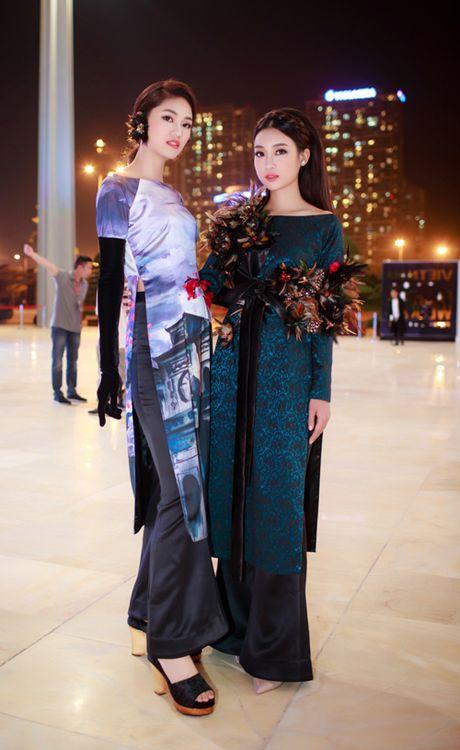 Hoa hau My Linh, A hau Thanh Tu hoa Tam-Cam tren tham do thoi trang - Anh 2