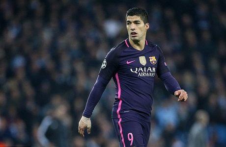 Barcelona gay soc khi tiet lo ke hoach mua Suarez cua M.U - Anh 1