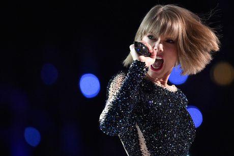 Khong co album nao, Taylor Swift van la nu ca si kiem tien khung nhat nam 2016 - Anh 1