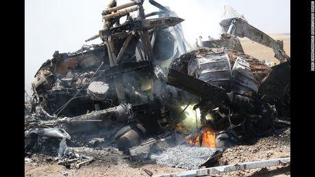 IS ban rocket pha huy truc thang Nga tai Homs - Anh 1