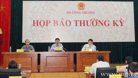 Bo Cong Thuong 'khong lien quan' den 3 can bo tron o lai Duc - Anh 1