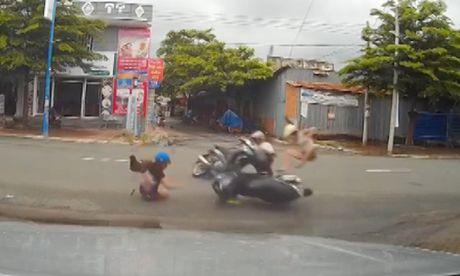Nhung pha tai nan may man thoat chet den kho tin o Viet Nam - Anh 1