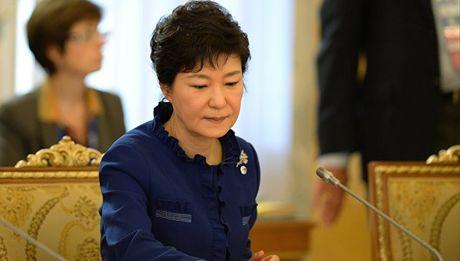 Be boi chinh tri Han Quoc: Tong thong Park Geun-hye san sang ra lam chung - Anh 1
