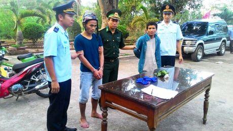 Vung bien Quang Tri 'nong' nan mua ban, su dung ma tuy - Anh 1