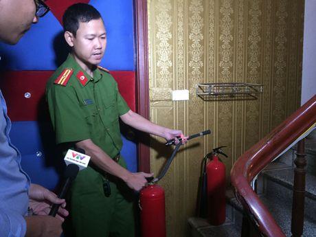 Dinh chi hang loat quan karaoke khong du dieu kien PCCC - Anh 5
