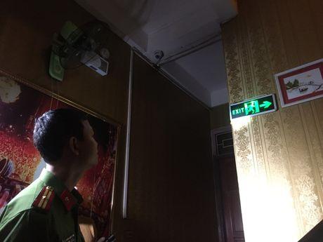 Dinh chi hang loat quan karaoke khong du dieu kien PCCC - Anh 6