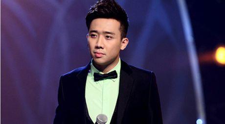 Tran Thanh roi khoi vi tri MC Thu thach cung buoc nhay 2016 - Anh 1