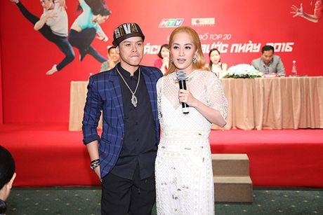 Tran Thanh roi khoi vi tri MC Thu thach cung buoc nhay 2016 - Anh 3