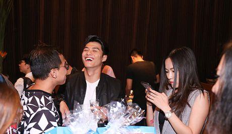 Tran Thanh roi khoi vi tri MC Thu thach cung buoc nhay 2016 - Anh 4