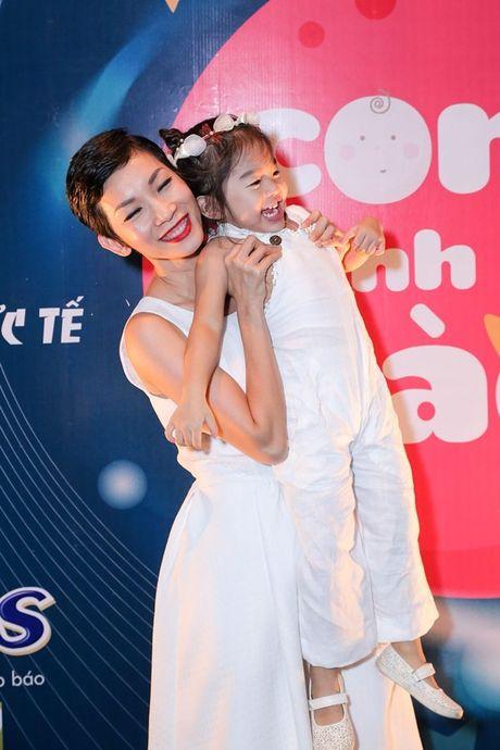 Xuan Lan lan dau chia se cuoc song cua ba me doc than - Anh 6