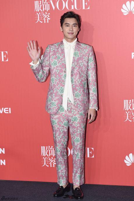 Pham Bang Bang mac xau gay sot tham do Vogue - Anh 12