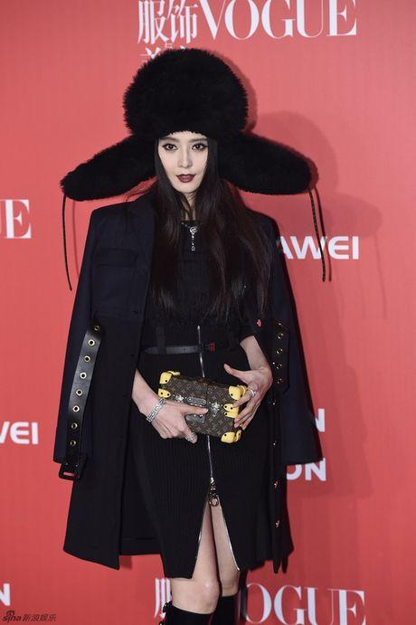 Pham Bang Bang mac xau gay sot tham do Vogue - Anh 1