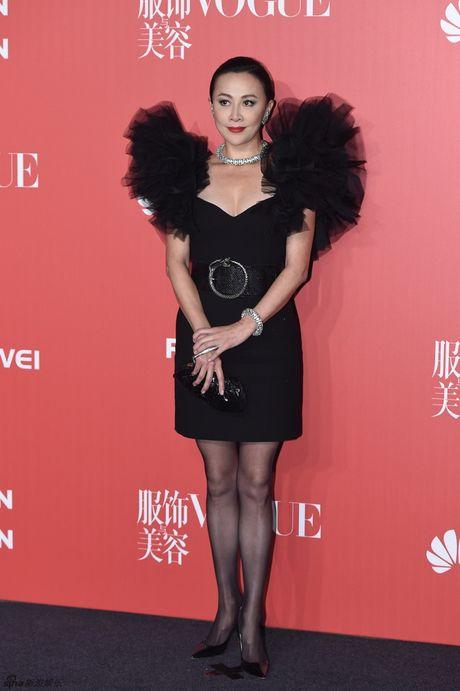 Pham Bang Bang mac xau gay sot tham do Vogue - Anh 3