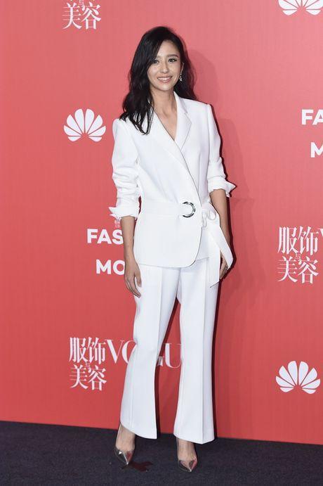 Pham Bang Bang mac xau gay sot tham do Vogue - Anh 8