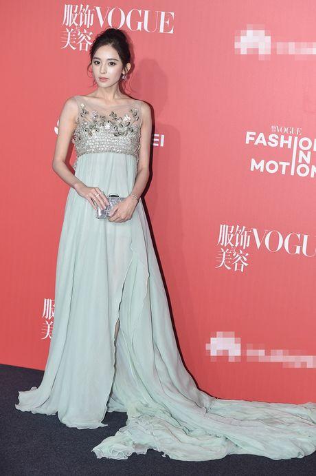 Pham Bang Bang mac xau gay sot tham do Vogue - Anh 9