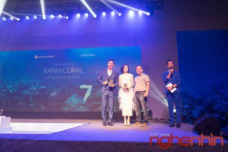 'Co Tam' Ha Vi so huu Galaxy S7 edge xanh san ho dau tien Viet Nam - Anh 1