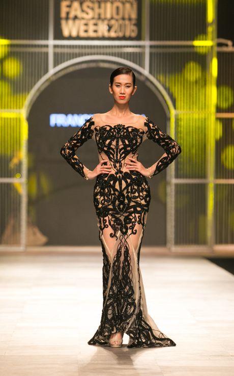 Nguyen Oanh dien vay cua Tan Hoa hau Quoc te 2016 - Anh 10