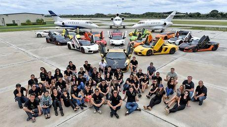 Gia Lai Team khoe dan sieu xe Lamborghini khung tren dat My - Anh 1