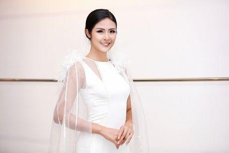 Chi Pu khac la, Ngoc Han quyen ru trong buoi thu do cua NTK Xuan Le cho VIFW - Anh 11