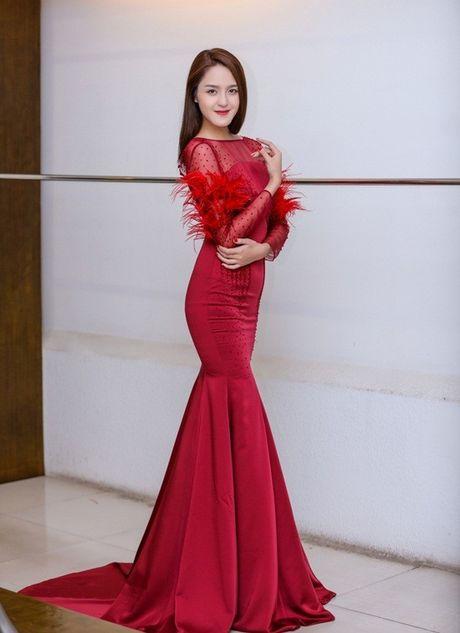 Chi Pu khac la, Ngoc Han quyen ru trong buoi thu do cua NTK Xuan Le cho VIFW - Anh 14