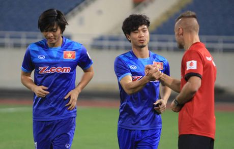 Cong Phuong muon duoc da chinh o AFF Cup, Tuan Anh lo tran gap Indonesia - Anh 4