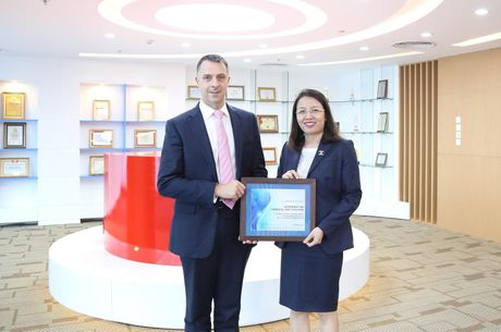 Maritime Bank doat giai thuong ve thanh toan quoc te - Anh 1