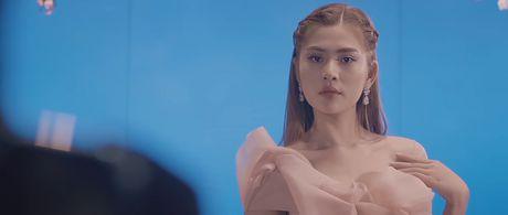 Dam Vinh Hung 'cach mat' Ho Ngoc Ha trong phim ngan - Anh 8