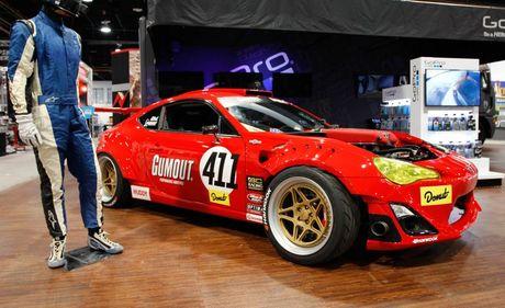 Xe the thao Toyota 86 gan dong co Ferrari - Anh 1