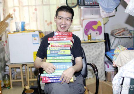 Chang trai Trung Quoc tot nghiep thac si du bai nao tu be - Anh 1
