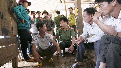 Vu no sung 3 nguoi chet: 'Xin cho Bo CA lam ro trang den' - Anh 3