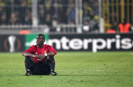 Fenerbahce 2–1 Man United: Pogba chan thuong, 'Quy do' guc nga - Anh 2