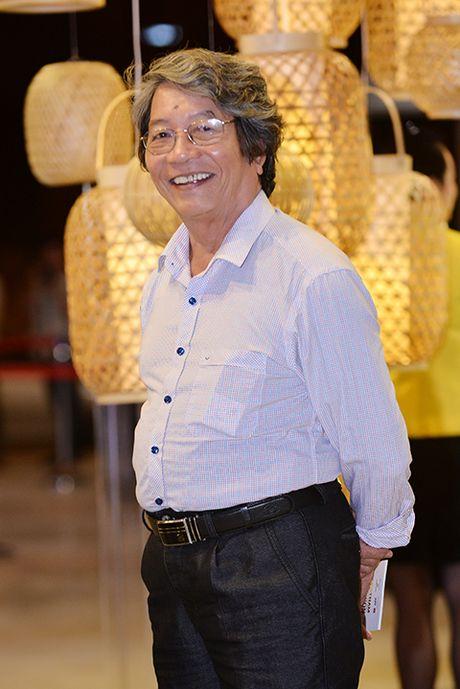 Nhip dieu duong pho qua trang phuc Thu - Dong cua NTK Le Ha - Anh 10