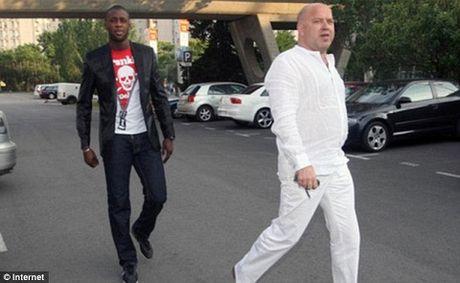 Nguoi dai dien cua Yaya Toure cuoi cung da xin loi Pep Guardiola - Anh 2