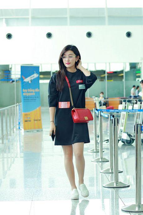 A hau Huyen My nung niu me tai san bay - Anh 3