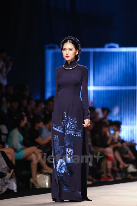 Den Fashion Week 2016 ngam ao dai cua nha thiet ke Dinh Van Tho - Anh 26