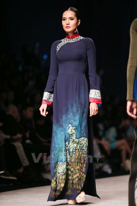 Den Fashion Week 2016 ngam ao dai cua nha thiet ke Dinh Van Tho - Anh 28