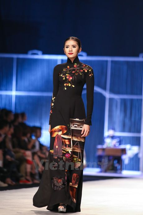 Den Fashion Week 2016 ngam ao dai cua nha thiet ke Dinh Van Tho - Anh 29