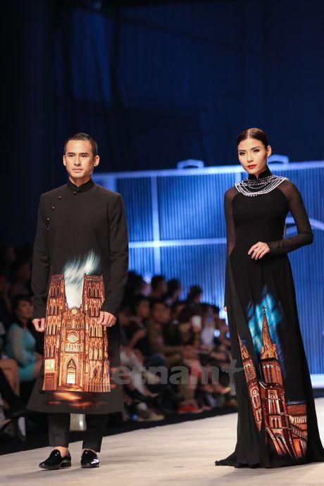 Den Fashion Week 2016 ngam ao dai cua nha thiet ke Dinh Van Tho - Anh 9