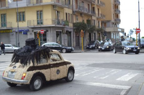 Dung 100kg toc de trang diem cho o to Fiat 500 co - Anh 5
