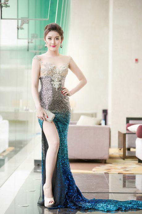 Nhung lan mac nong bong cuc do cua A hau Huyen My - Anh 5