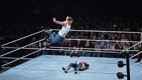Tim Wiese chinh thuc ra mat tai WWE - Anh 1
