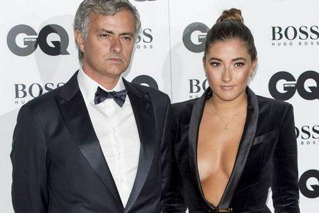 Mourinho lo ly do niu keo su nghiep o Anh la vi gia dinh? - Anh 2