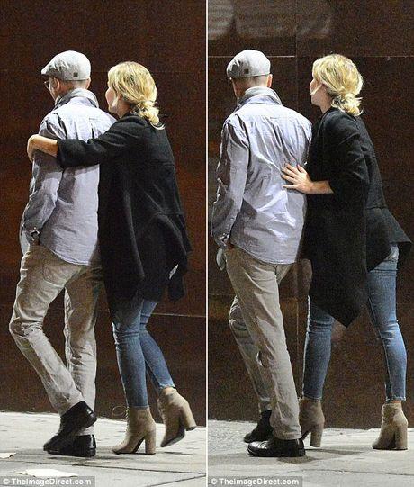 Jennifer Lawrence cong khai hon tinh gia giua pho - Anh 8