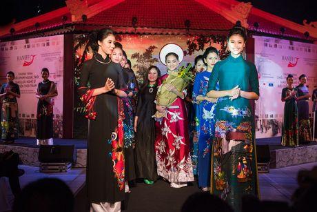'Nang tho' cua NTK Lan Huong gay chu y tai LPH - Anh 1