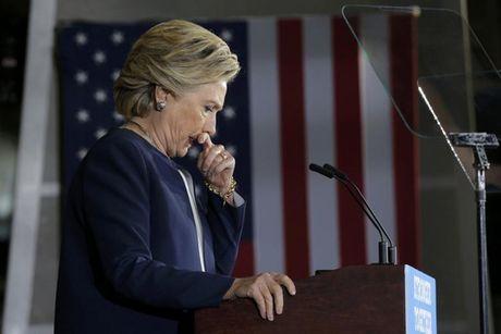 Ba Clinton lai gap rac roi - Anh 1