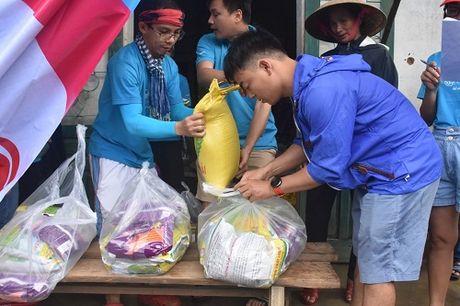 Chung Tay mien Trung – Tiki lan loi ve vung ron lu - Anh 2
