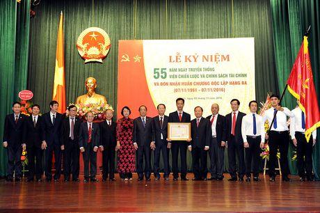 Vien Chien luoc va Chinh sach tai chinh don nhan Huan chuong Doc lap hang Ba - Anh 3