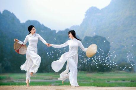 Trien lam anh Vuon xua: Ton vinh ve dep nguoi con gai Viet - Anh 1